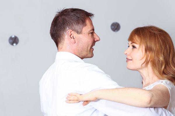 csm_Verliebtes-Paerchen-beim-Tanzen-01_eac29680b0
