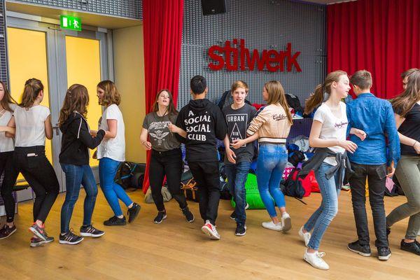 csm_Jugendliche-tanzen-im-stilwerk_c04dbd720e